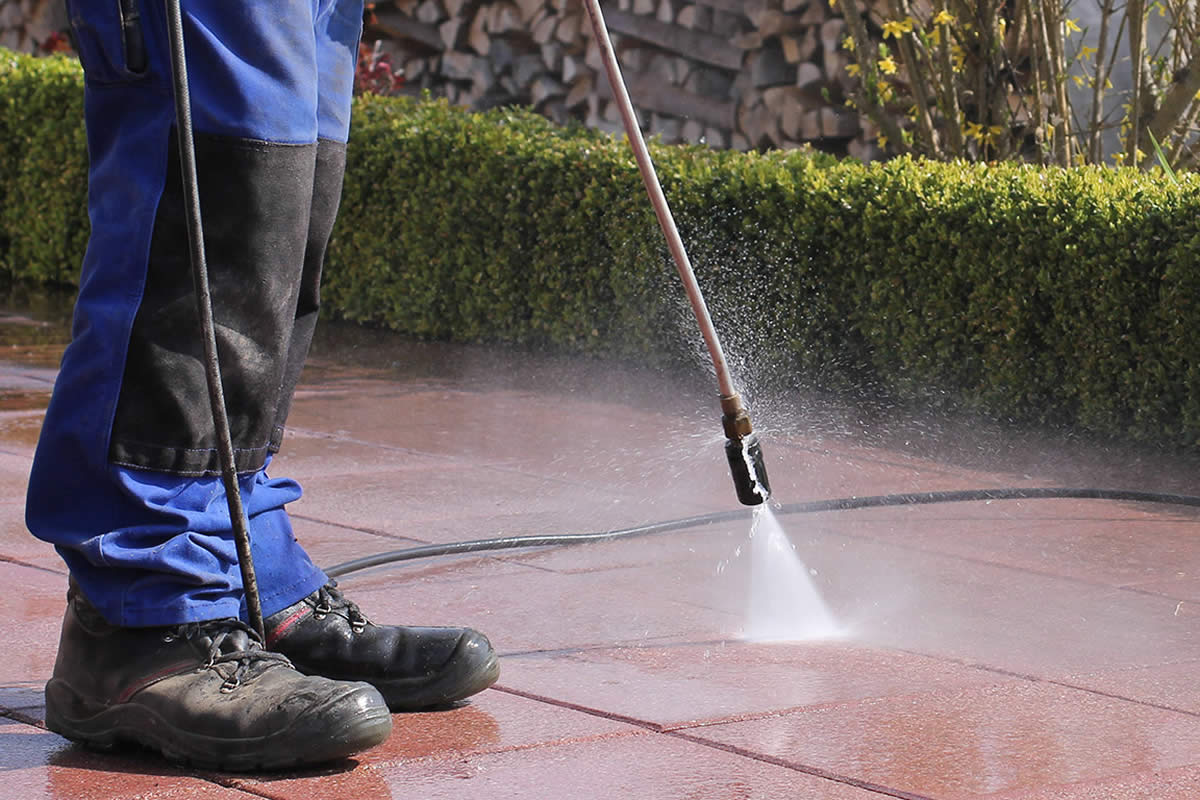 Questions to ask when hiring a pressure cleaning service in Sanford