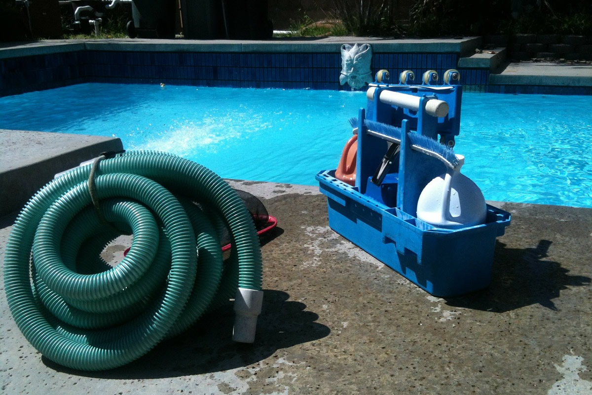 How to Deep Clean a Concrete Swimming Pool
