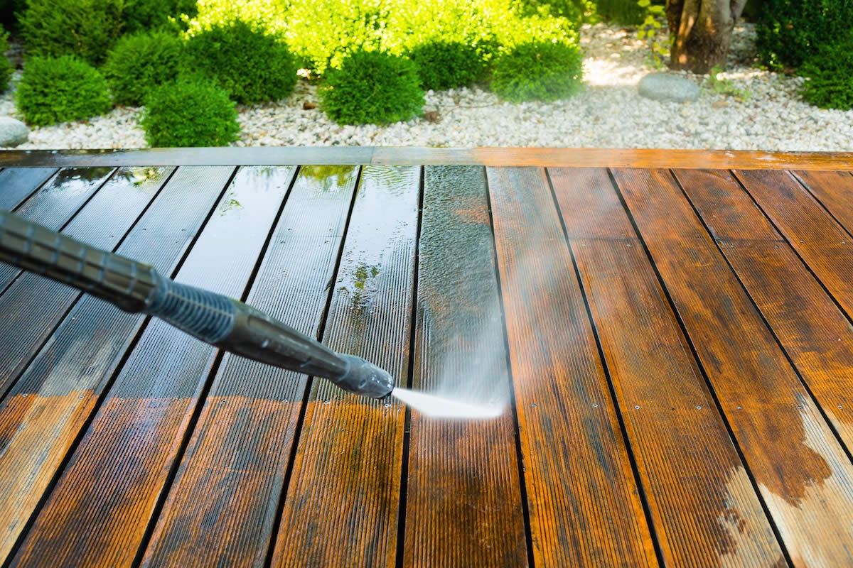 The Benefits to Pressure Washing Your Deck