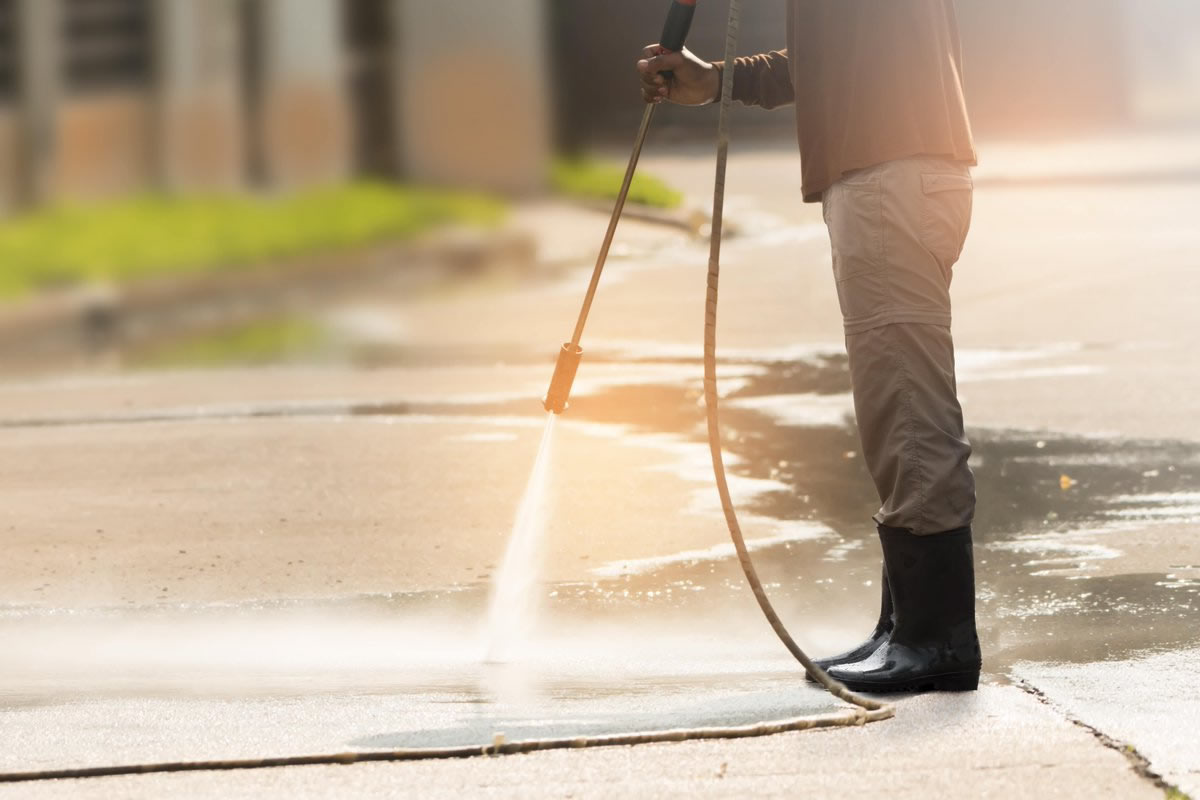 Four Things Everyone Should Know Before They Start Pressure Washing